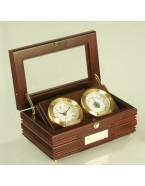 Коробка с часами и термометром